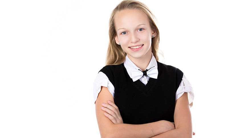 Uniformes escolares:  peças que fazem sucesso entre os adolescentes